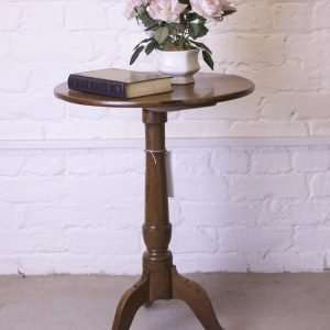 Tripod leg circular table, 19th century
